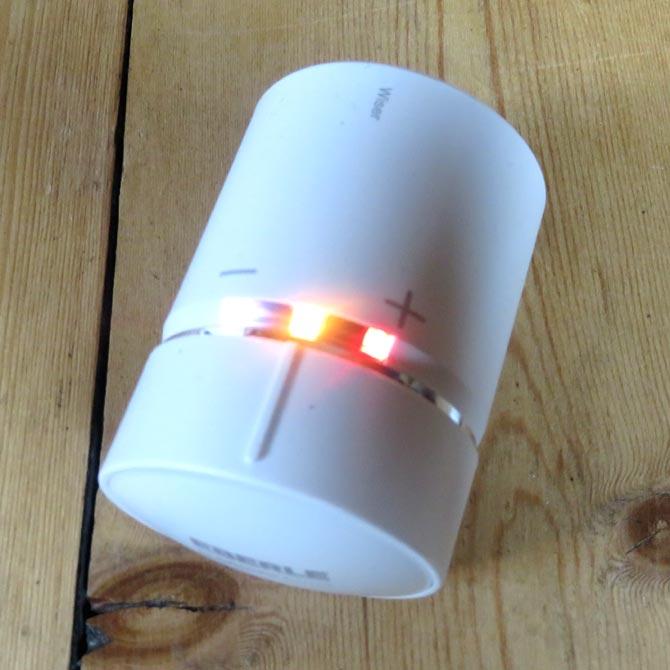 Wiser Heizkörperthermostat LED's blinken