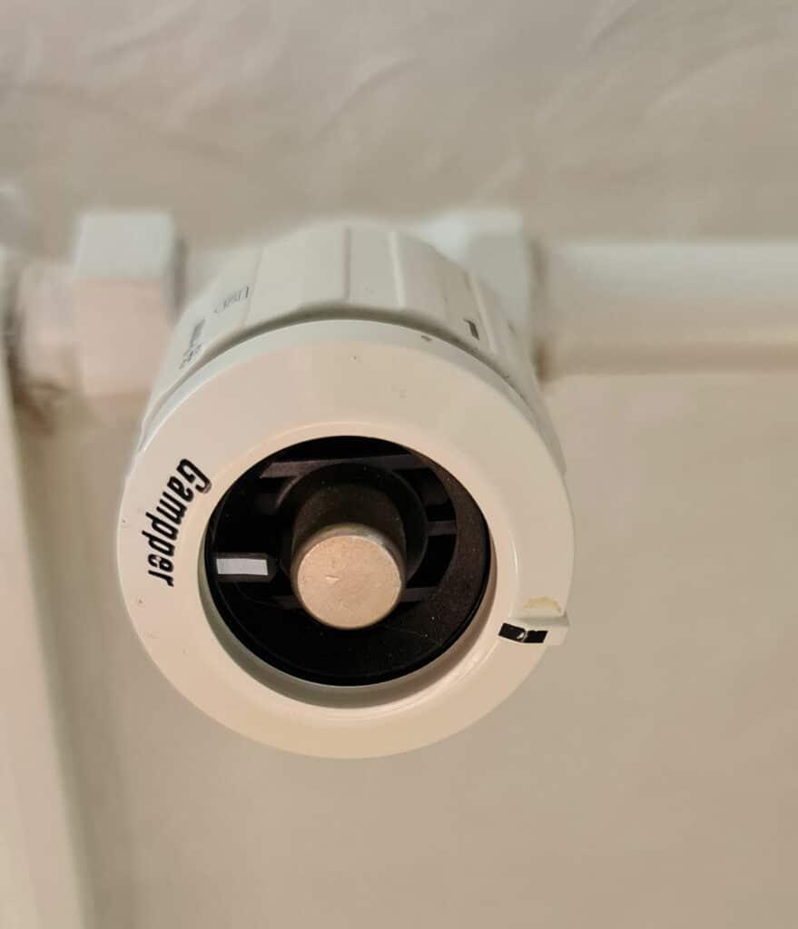Thermostat Gampper Ventil M20 über 10mm Tiefe, 12 Kerben, Quelle: André Bode per E-Mail
