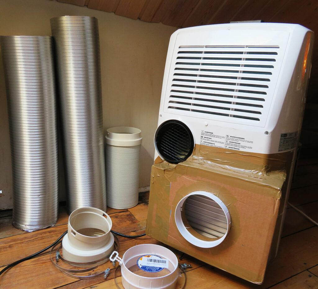 Umbau mobile Klimaanlage - Schläuche an mobiler Klimaanlage anbringen 01