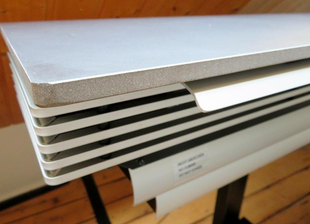 wiBio Luftreiniger mit Blick auf die synthetische Steinplatte